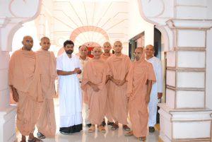 GIRI BAPU met Saints of Swamy Narayan