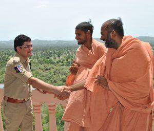 TAFSEER IQBAL, COMMISSIONER OF POLICE, KHAMMAM Met Saints of Swamy Narayan