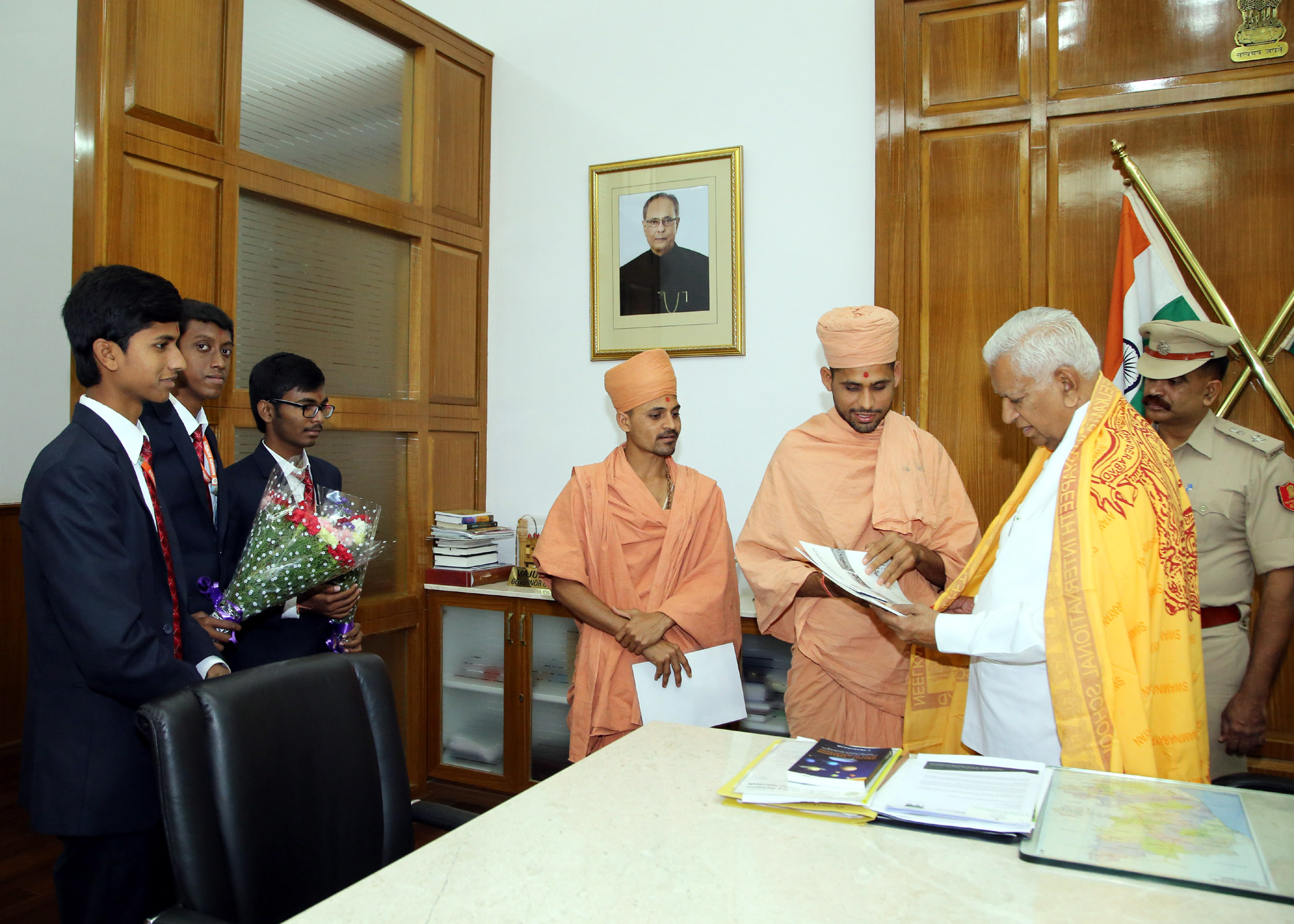 Saints of Swamy Narayan met Vajubhai Vala