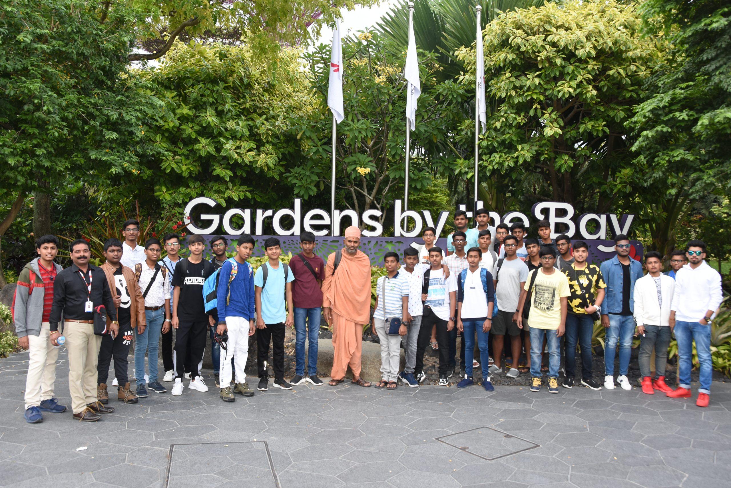 Swamy Narayan Students at Tour