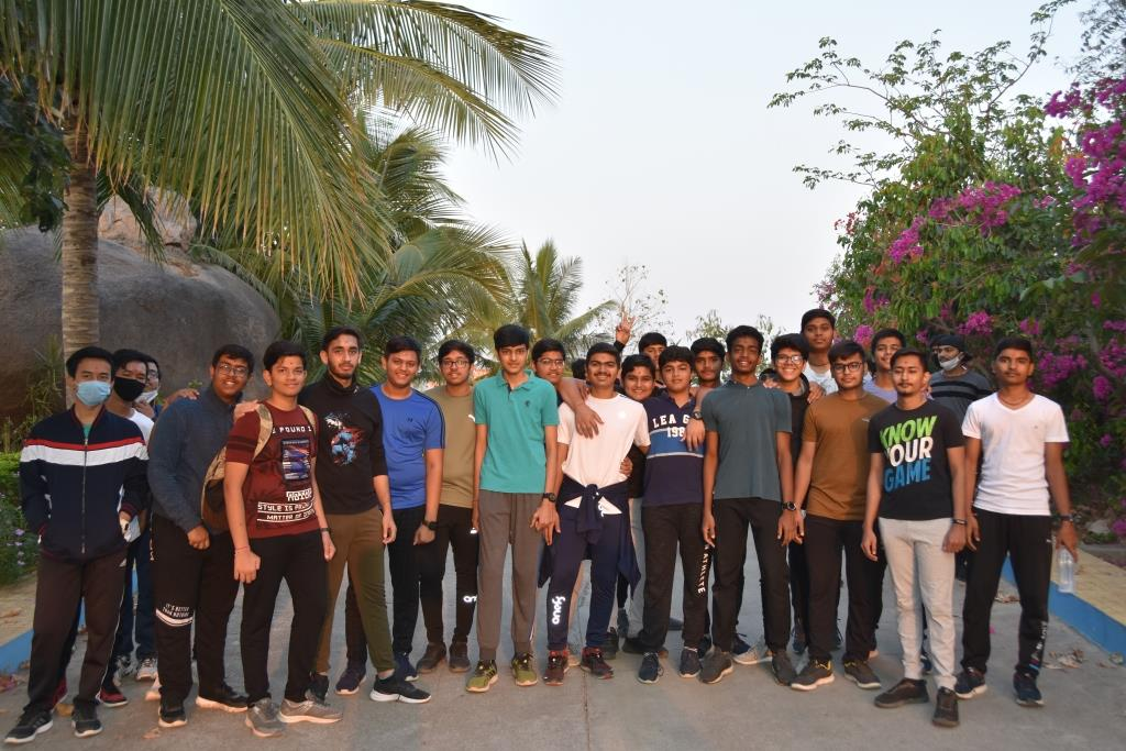 STUDENTS AT SNVP